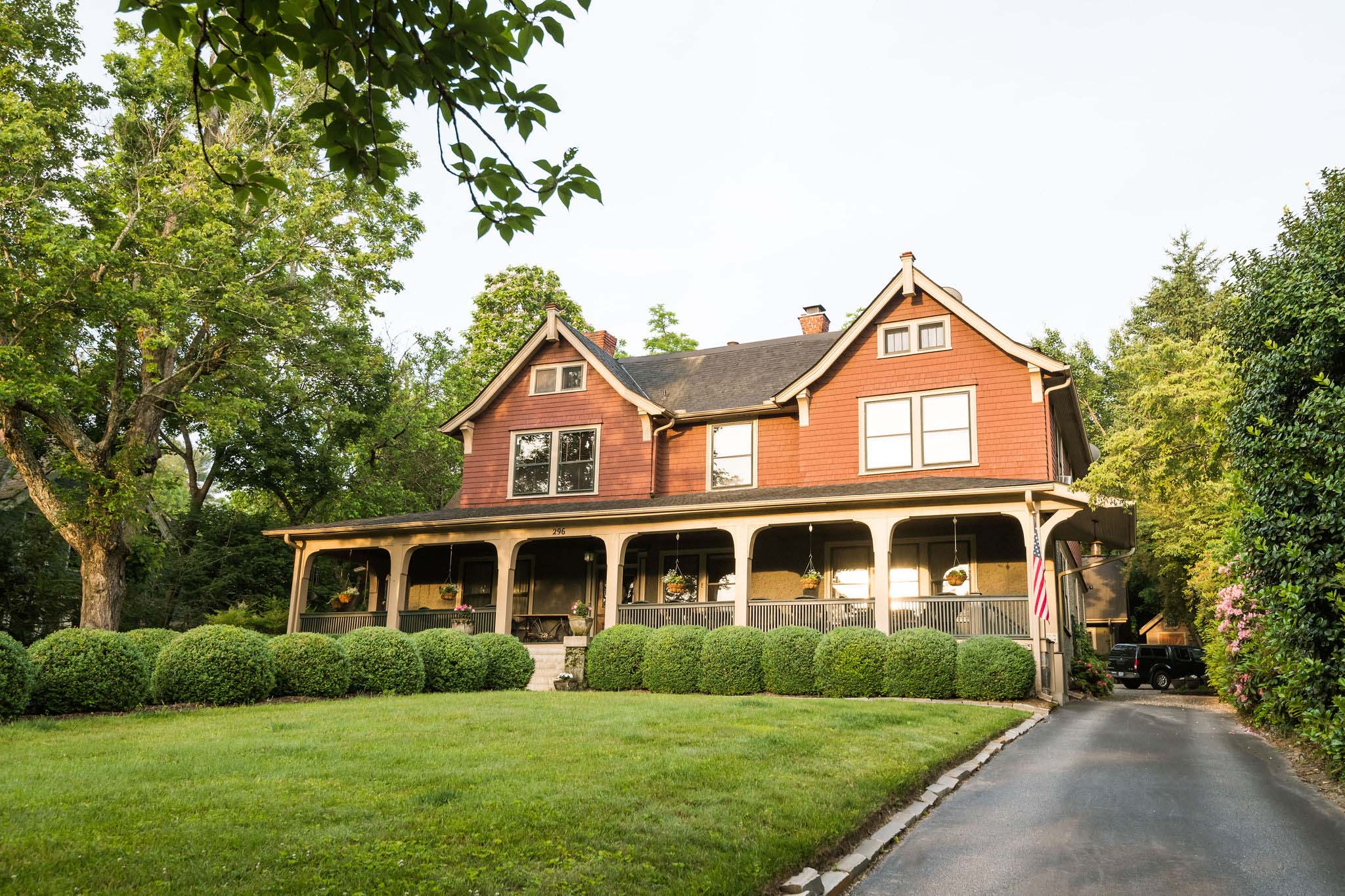 Why we love that our bed and breakfast is in historic Montford